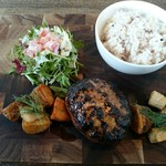COLT agingbeef&grill - 熟成肉入り牛100%ハンバーグ