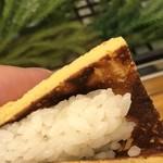 吉野鮨本店 - 独特の玉子焼き握り
