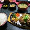 みかげ - 料理写真:「ダブルハンバーグ定食」(1,350円)。贅沢!ハンバーグ2個!