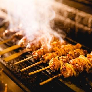 国内産の鶏や姫っ子地鶏、鴨料理も味わえる鳥料理専門店。