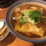 81221002 - ワンタン麺