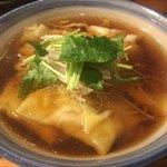 81221006 - ワンタン麺