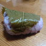 新杵 - 桜餅①