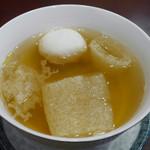 Choyo - キヌガサダケと白身魚すり身の清湯スープ