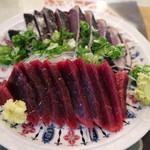 田中鮮魚店 - 鰹タタキとクジラの刺身です☆ 2018-0215訪問
