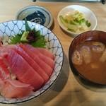 角常食堂 - 金目鯛とマグロ丼 1200円