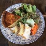 フランス食堂 清水 - キッシュといろいろ野菜の盛り合わせ