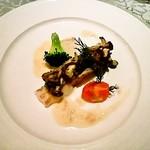 本日鮮魚と茸のブルゴーニュ風ロースト
