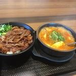 カルビ丼とスン豆腐専門店 韓丼  - 白飯のセットではなく個別注文で(^O^)