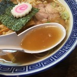 醤油ラーメン 柴 - スープ