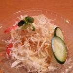 ヘラ味屋 - サラダ。ツナパハと似てますね。