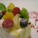 8126914 - フレッシュフルーツのショートケーキ