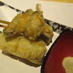 81261926 - 揚物: のど黒と根菜の天ぷら