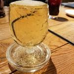 BistroBON tabloid table - もっきりスパークリングワイン
