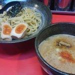 Yokohamaiekeiramentokorozawayamatoya - 極つけ麺
