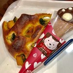 ベーカリー&カフェ ブルージン - トレーの上のニ品☆