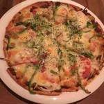 ハトス アウトサイド - カレーピザ
