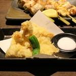博多串焼き・野菜巻き 串巻きあーと - 大山地鶏のさくさく天婦羅