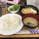 エリエート - かつ煮定食