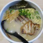 麺屋 海猫 - 白湯塩のアップ