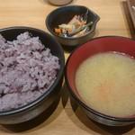 81284240 - 雑穀米大盛と味噌汁