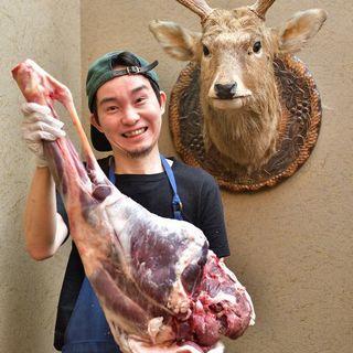 自慢のエゾ鹿肉料理