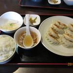 あQ - 自家製焼き餃子定食(680円)