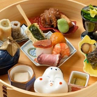 旬食材を活かし、伝統と進化を交えた料理を有田焼きに添えて