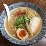 麺Dining比内地鶏白湯らーめん志道 - 志道らーめん(780円)