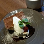 81293977 - ランチデザート(ティラミスのアイスケーキ)