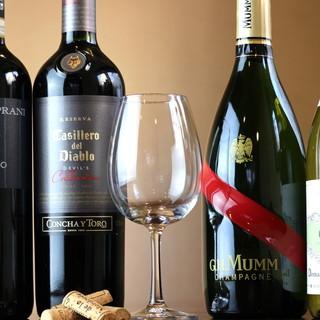 《充実のワインで乾杯を》ソムリエがあなた好みの1杯をご提案
