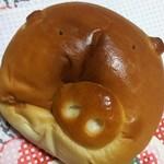 がぎゅうベーカリー - 可愛い豚さんの顔のパン