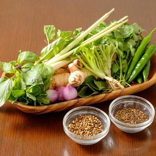 タイのハーブ・スパイスをふんだんに使用した本格タイ料理