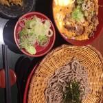 81303008 - 牛とじ丼定食 1100円