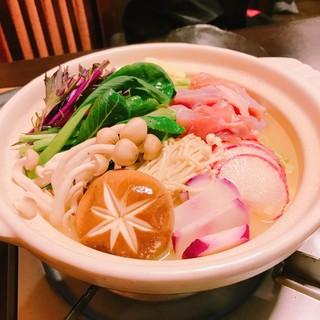 鶏料理ひとりひとり - 本日も濃厚スープのお鍋!