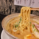 らー麺 潮騒 - 麺リフト