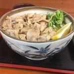 麺処 綿谷 - 丼も美しい そしてデカイです(*゚∀゚*) 夜はステーキなんだよね 肉の1日になりました