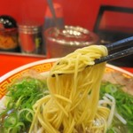 もっこす - 中華そば、麺はビシっと決まっています