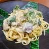スイートバジル - 料理写真:(「クリーム味スパゲティ」の中から)サーモンとブロッコリー /850円+税