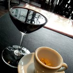 プティ サレ - 赤ワインとナッツ