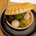 両国橋茶房 - 抹茶アイス最中・S 380円