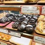 カスカード - 店内のパン
