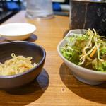 炭火焼ホルモン酒場 元気家 - サラダ