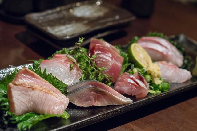 https://tblg.k-img.com/restaurant/images/Rvw/81316/640x640_rect_81316770.jpg