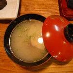 たか嶋 - 握り寿司には、貝汁が付いています