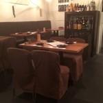 中目黒 鶏味座茶屋 - 落ち着いたテーブル席