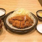 Tonkatsuakaishi - ロースかつ定食