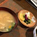 ほめ かぱか - 美味しい味噌汁と漬け物