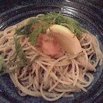 パスタ・ド・エレゾン - しそバターガーリックのたらこのせスパゲティ 1050円