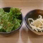 肉いち枚 - ランチのサラダ